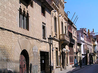 Calle Ample